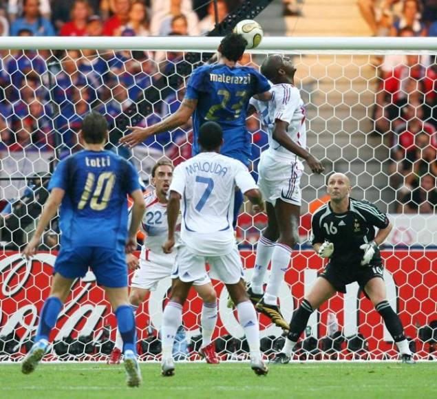 Gol de Italia a Francia - final del Mundial 2006
